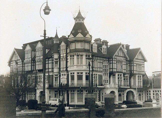 QueensHotel1965